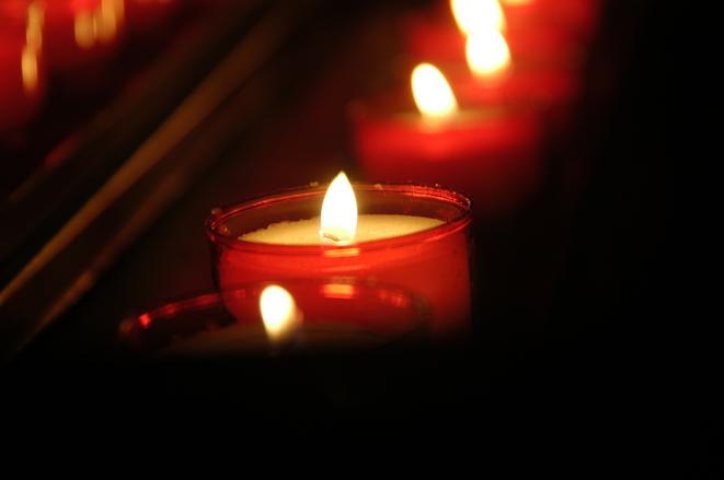 Bougies pour rituelle de magie rouge
